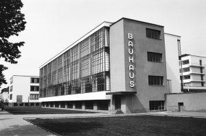 Walter Gropius, Sede del Bauhaus di Dessau, 1926