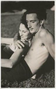 Salvador Dalí e Gala, 1933